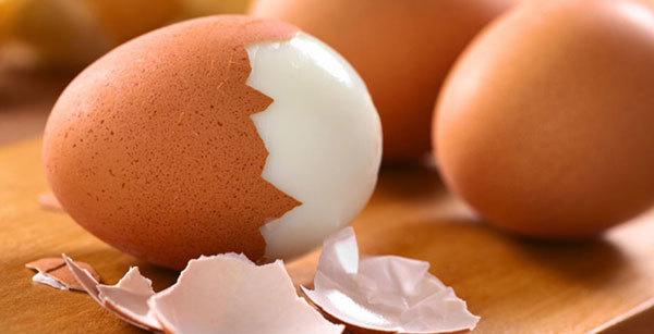как проверить свежесть яиц в воде: как определить в домашних условиях